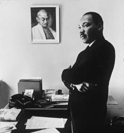 comparison of speeches martin luther king The humor that flowed throughout all his speeches had underline meanings that were equally as serious as martin luther king jr made his speeches seem.