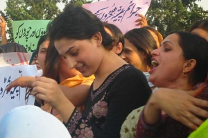 A Hijra protest in Islamabad, May 2008. Via Wikipedia