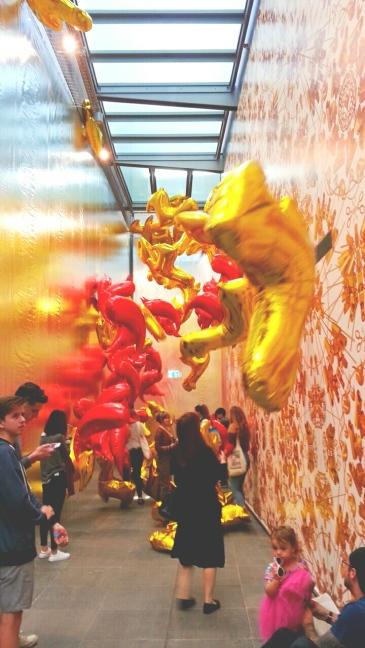 Bird Balloon. Caonima Ballonon. - Ai Weiwei