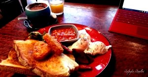My blogging habit includes searching for Canberra's best all day breakfast