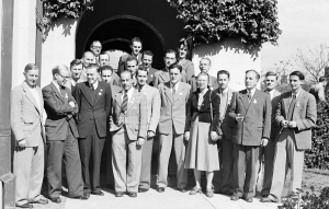 Ruby Payne-Scott, third from the right, at the 1952 International Union of Radio Science conference, University of Sydney