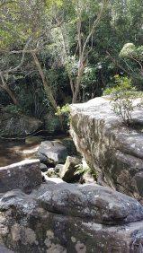 Somersby瀑布-低瀑布岩石
